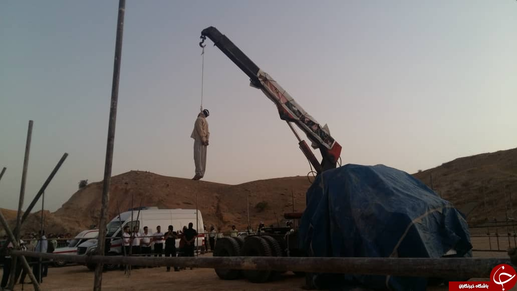 قاتل امام جمعه کازرون به دار آویخته شد