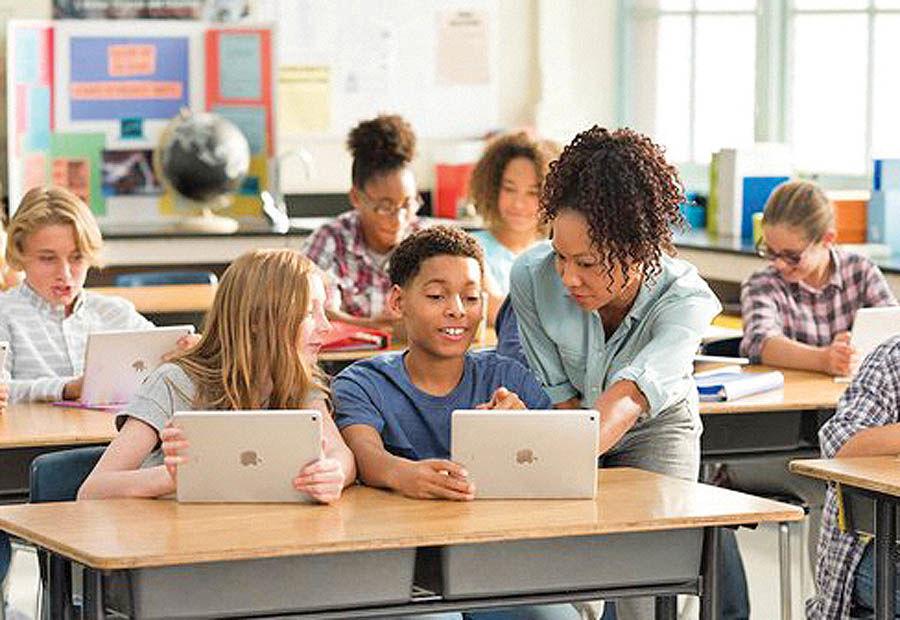 معرفی محصولات اپل برای دانشآموزان