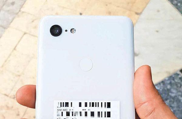 تصاویر واقعی از نسخه سفیدرنگ Pixel 3 XL گوگل فاش شد