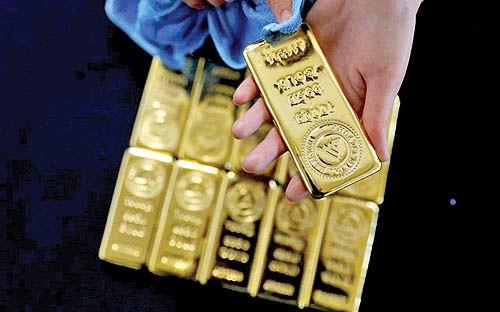 رفتار زیگزاگی دلار و طلا