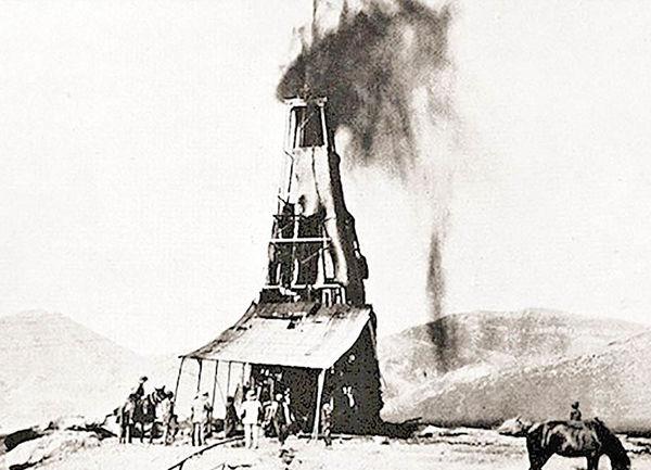 فوران نفت از چاه شماره یک