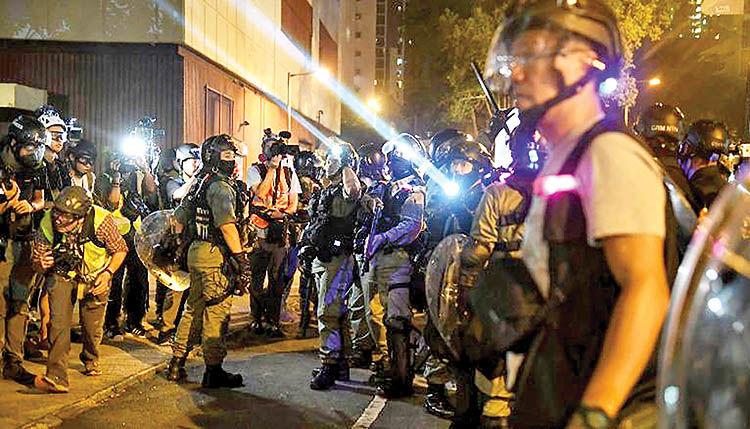 زمینهسازی برای مداخله نظامی در هنگکنگ
