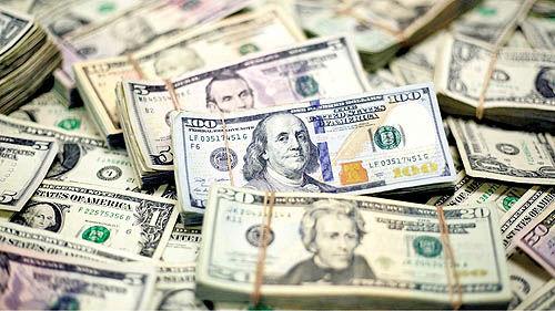 دلار بالای مرز روانی 12 هزار تومان باقی نماند