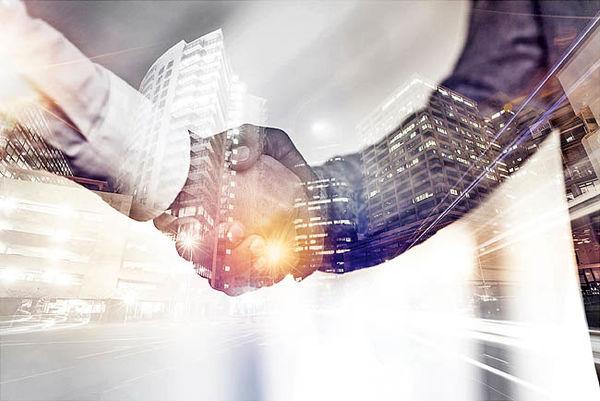 ارتباط با تحلیلگران پل ارتباط با سرمایهگذاران