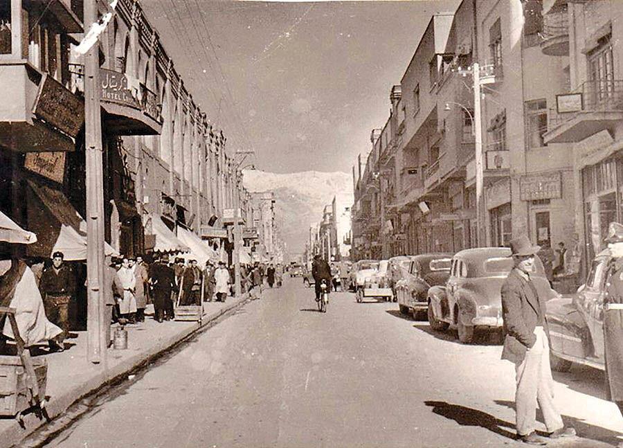 بازار ارز در خیابان فردوسی
