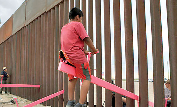ساخت الاکلنگ بین مرز مکزیک و آمریکا