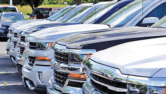 کاهش فروش خودرو در کانادا