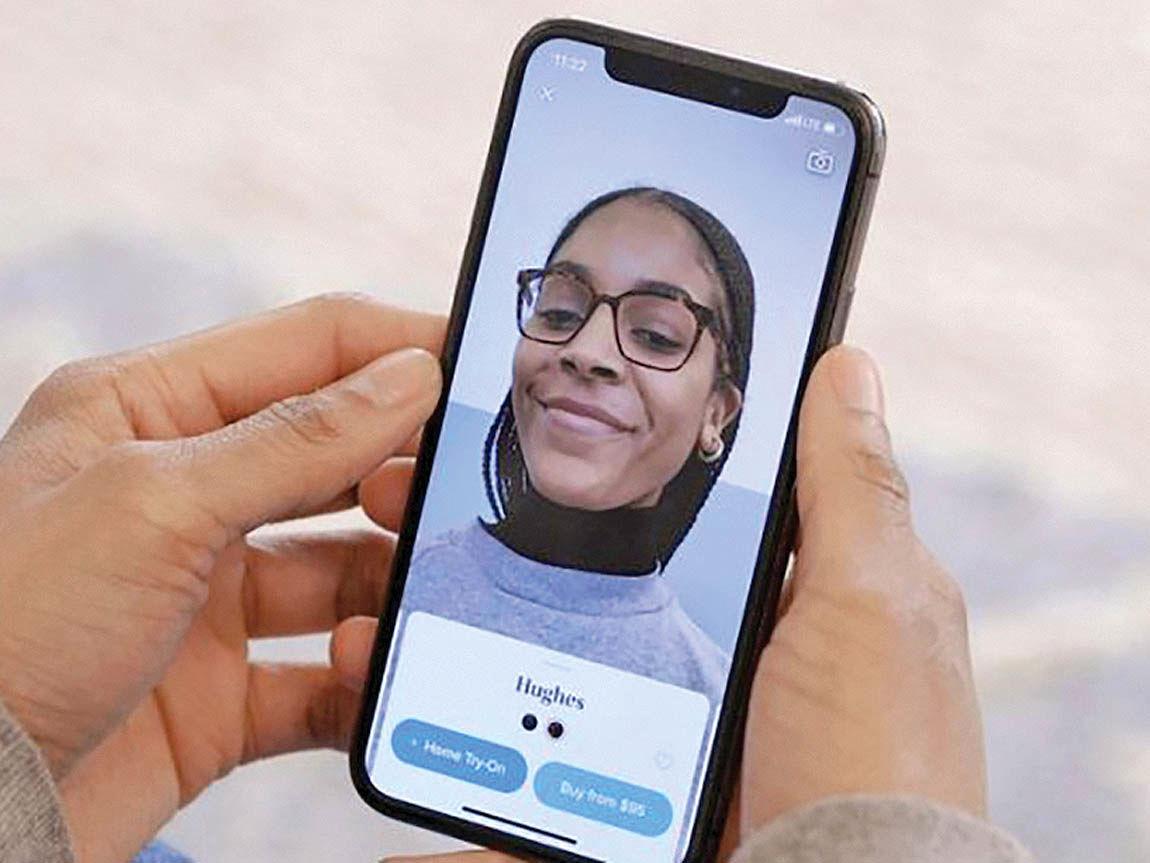 تست عینک با اپلیکیشن واقعیت افزوده