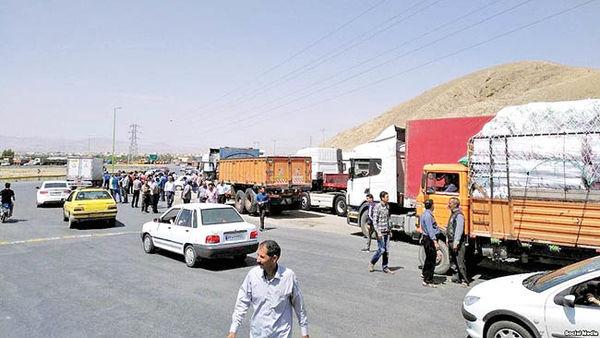 اعتصاب کامیونداران در جاده توافق