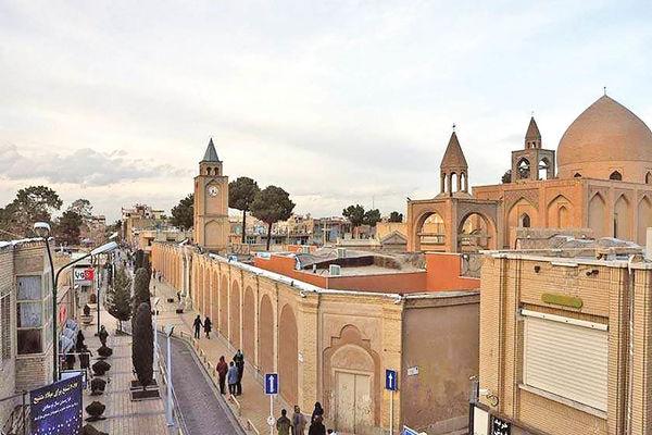 پیادهروی در محله ارمنیهای اصفهان