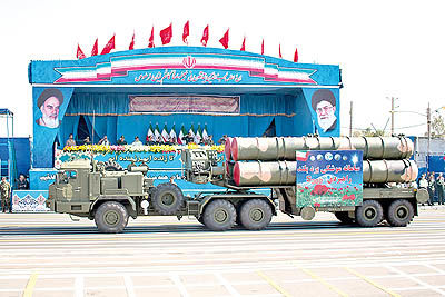 نمایش موشکهای «اس300» در رژه نیروهای مسلح