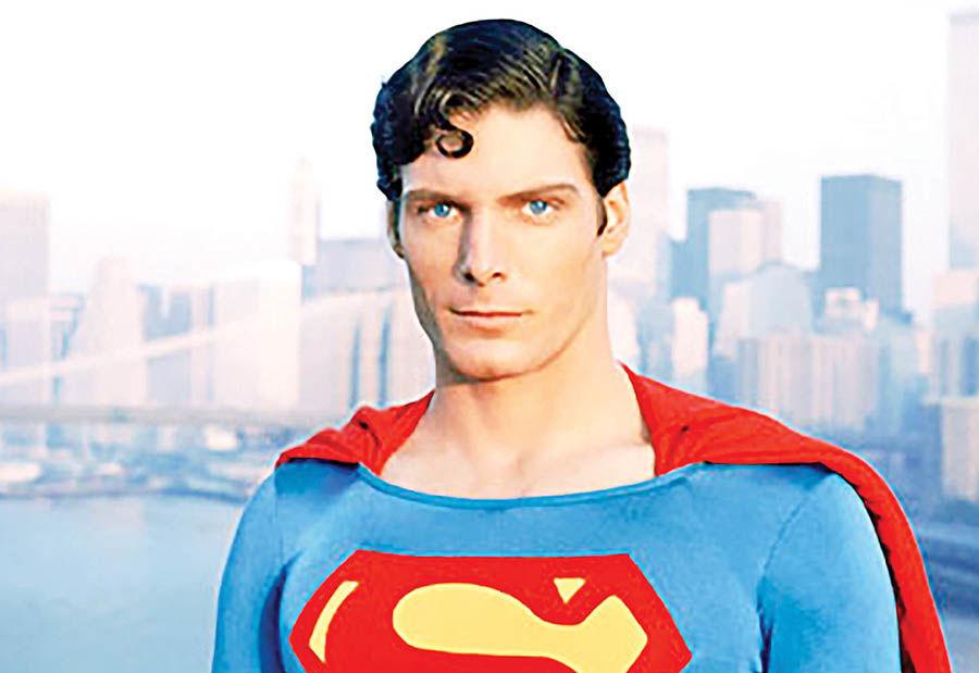 فروش لباس «سوپرمن»  به مبلغ 200 هزار دلار