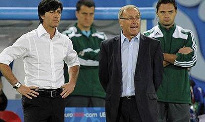 دلیل اخراج مربیان تیمهای ملی فوتبال آلمان و اتریش مشخص شد