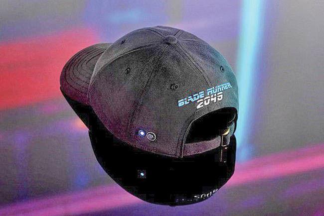 کلاه مجهز به اسپیکر