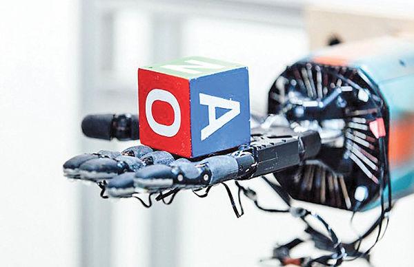 دست روباتیک به دست واقعی نزدیکتر شد