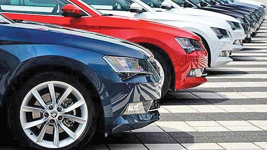 ادامه جدل بر سر تعرفههای خودرو