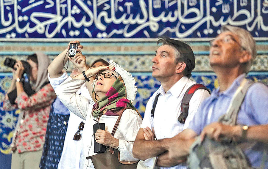 تجربه گردشگری ایران از اثر روانی تحریمها