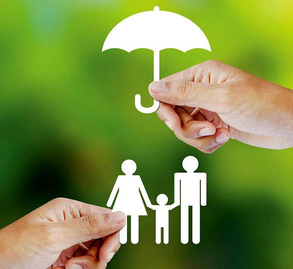 نقش بیمه در بهبود رفاه خانواده