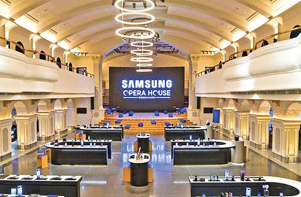 افتتاح بزرگترین فروشگاه و نمایشگاه سامسونگ در هند
