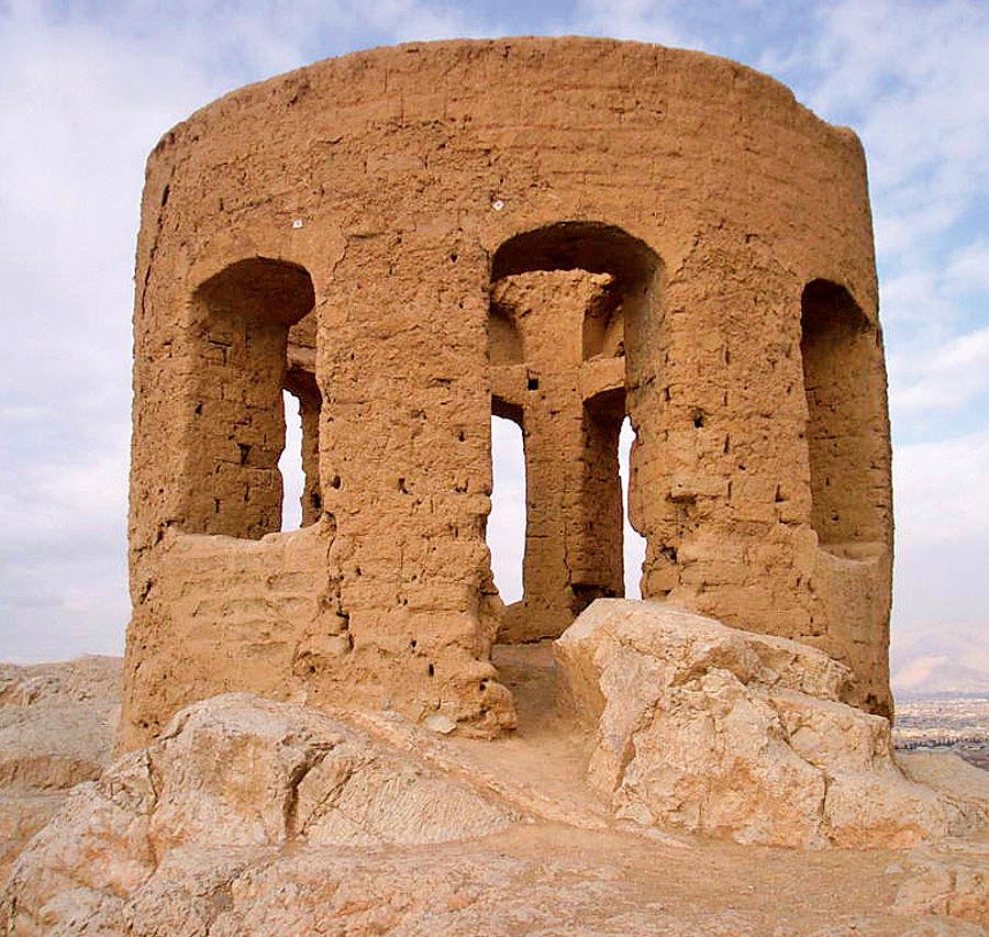 مهاجرت اعراب و تغییر تختگاه اصفهان