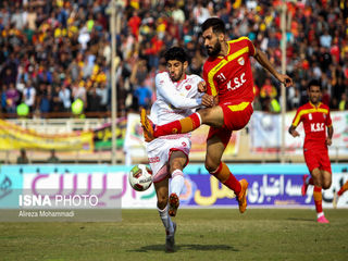 دیدار تیمهای فوتبال پرسپولیس و فولاد خوزستان
