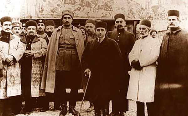 دلایل فروپاشی قاجار