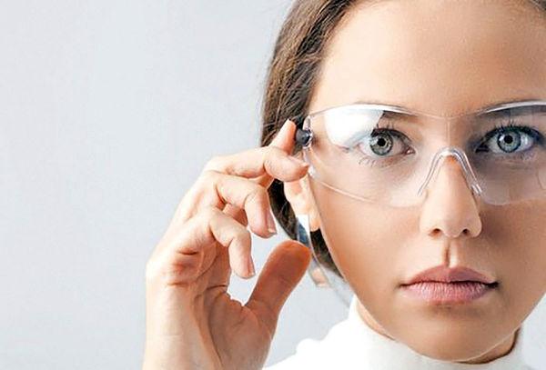 ابداع عینک هوشمندی که تصاویر را مستقیما روی چشم نمایش میدهد
