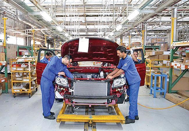 درآمدهای نفتی تکیه گاه صنعت خودرو