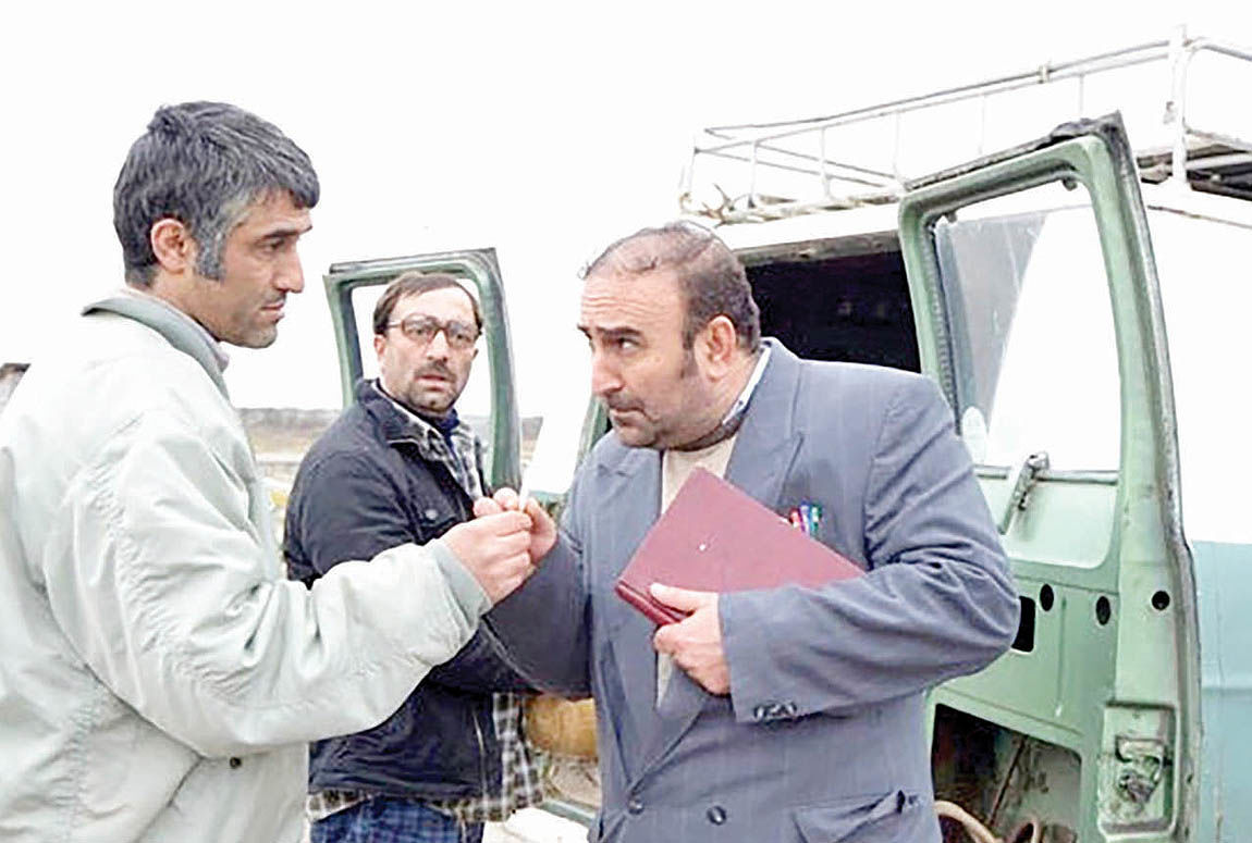 نمایش فیلم «من دیوانه نیستم» در ارسباران