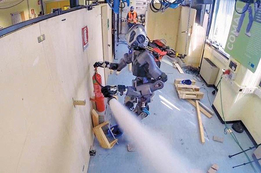 نسخه جدید روبات آتشنشان آزمایش شد