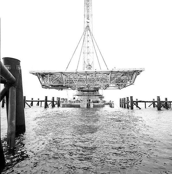 تاثیر نفت بر جزیره خارک