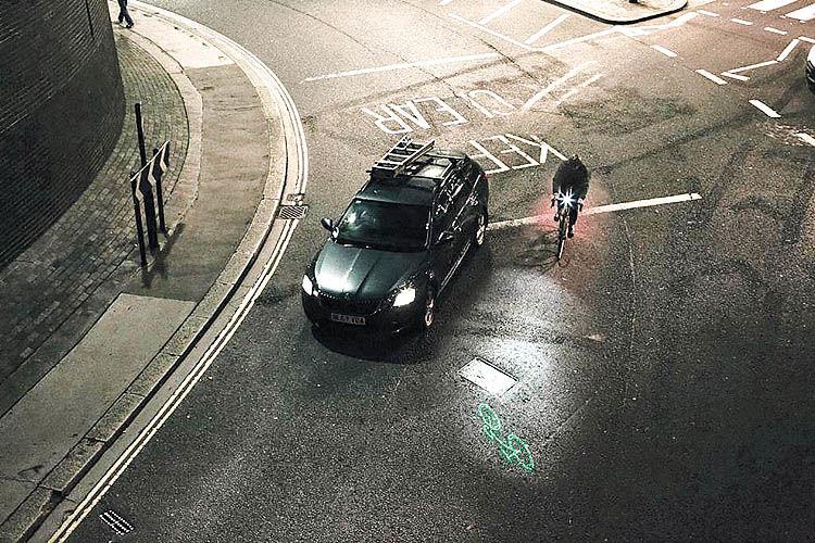 افزایش دید رانندگان به کمک تکنولوژی لیزر