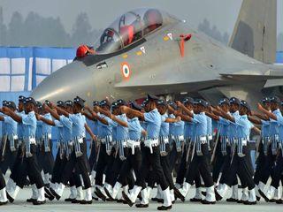 تصاویر | تمرین سربازان هندی برای رژه رفتن در جشن تاسیس نیروی هوایی