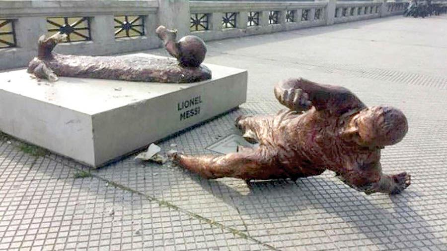 تخریب مجسمه لیونل مسی