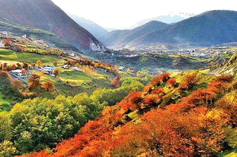 لاویج؛ روستای آبگرم و عسل