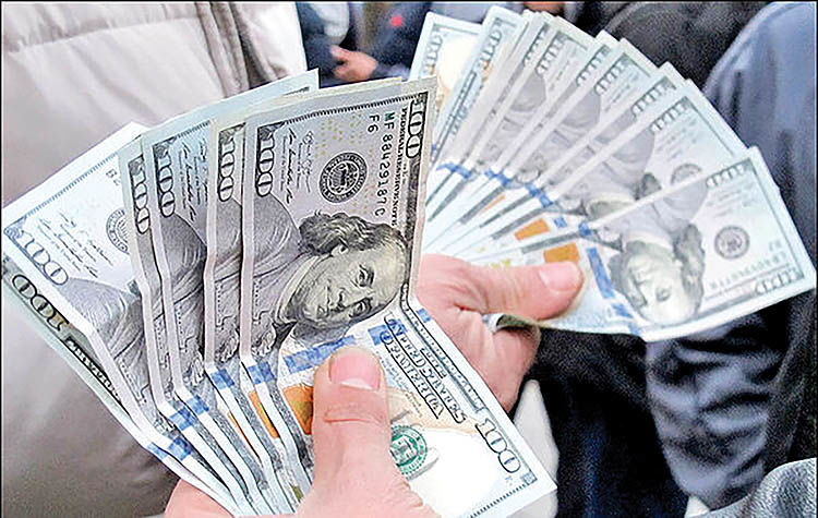 عقبگرد دلار پس از 8 روز