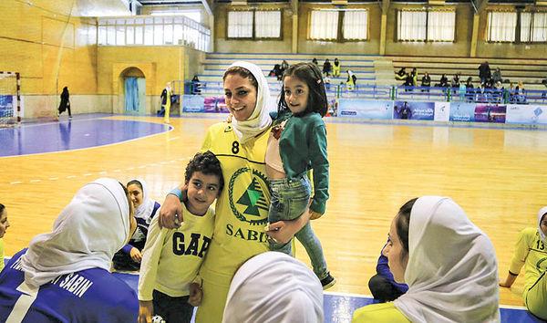 مهر مادری وسط ورزش حرفهای