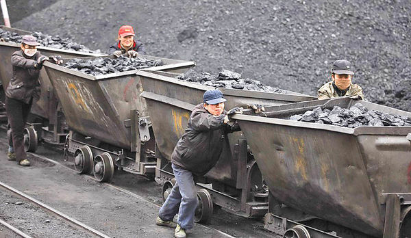 کاهش سرمایهگذاری جهانی در حوزه زغالسنگ