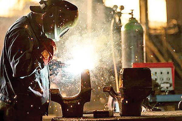 صنعت ایرانی در بند حمایت کور
