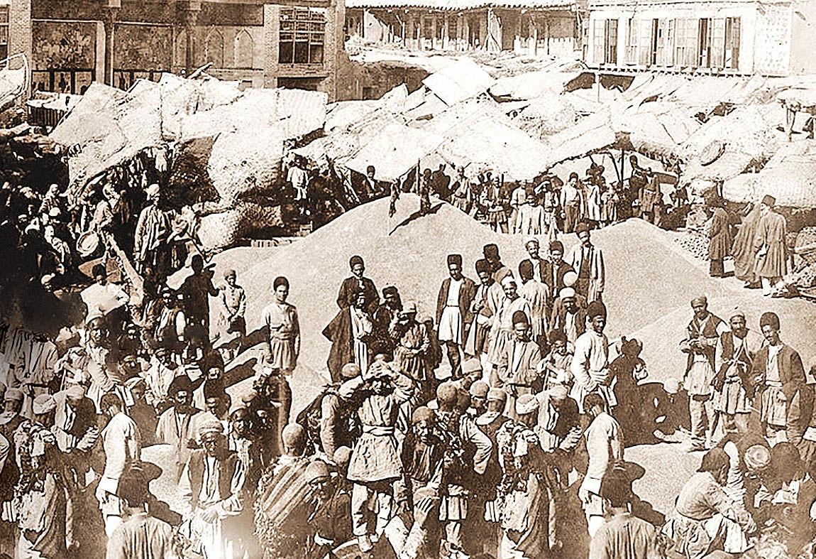 گذار صاحبمنصبان از بازار قاجاری