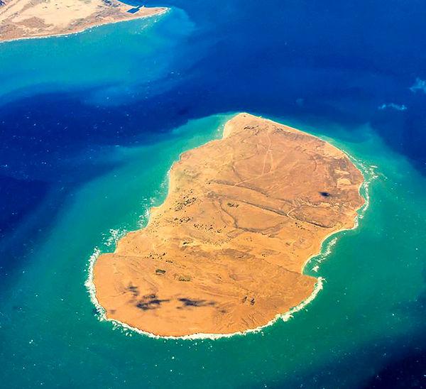 سفر به جزیره بکر